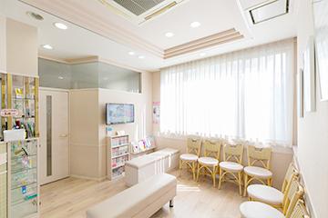 よしむらファミリー歯科の待合室